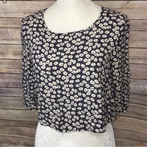 Pins & Needles floral crop top 3/4 sleeve